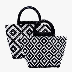 Del Duca - Black & White now at showroom in Paris . Fabric Origami, Beaded Bags, Vintage Artwork, Bead Crafts, Mini Bag, Purses And Bags, Embroidery, Black And White, Beads
