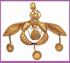 gold bee pendant, Mallia, Crete, ca. 2000 BC