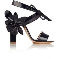 DELPOZO Appliquéd patent-leather sandals (1,625 SGD) ❤ liked on Polyvore featuring shoes, sandals, purple, block heel shoes, purple sandals, purple patent leather shoes, party shoes and patent sandals