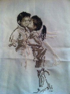 Los niños besándose - Punto de Cruz http://thisgirlikes.blogspot.co.uk