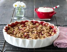 Rabarbra- og jordbærpai med ingefær Sweet Tarts, Frisk, Cravings, Cereal, Breakfast, Recipes, Food, Cakes, Pai