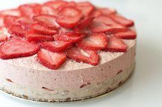 Gâteau aux fraises 100% raw vegan