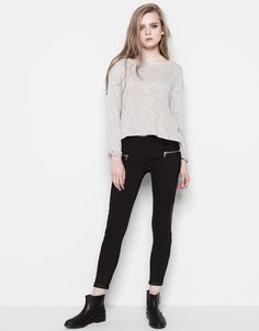 SKINNY FIT JEANS WITH ZIP DETAIL