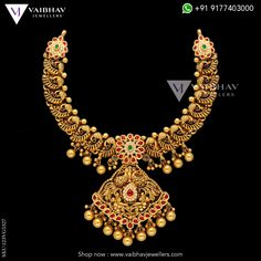 Sophisticated and impressive bold gold mango jewellery, making remarkable grace come alive with a spectacular dazzle of solids. Check out the latest antique mangalsutra designs by Vaibhav Jewellers here. Gold Designs, Gold Earrings Designs, Necklace Designs, Gold Wedding Jewelry, Bridal Jewelry, Gold Jewelry, Antique Jewellery Designs, Gold Jewellery Design, India Jewelry