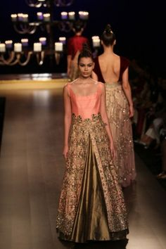 Manish Malhotra. India Couture Week 2014.