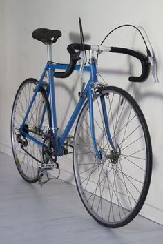 Vélo / bike B. Mavic, Bicycle, Culture, Vehicles, Italia, Bike, Bicycle Kick, Bicycles, Car