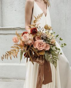 Wedding Flower Arrangements Can't take our eyes off this gorgeoous bouquet created by Absolutely loving the loosely yet elegant arrangement of autumnal… - Fall Bouquets, Fall Wedding Bouquets, Bride Bouquets, Floral Bouquets, Floral Wedding, Wedding Colors, Wedding Dresses, Bouquet Flowers, Orchid Bridal Bouquets