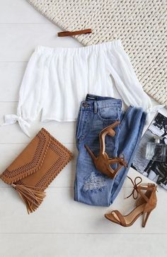 Spring Outfits - What To Wear With A Biker Jacket 2019 Cute Little Spring Outfit. Spring Outfits - What To Wear With A Biker Jacket 2019 Cute Little Spring Outfit. Fashion Mode, Look Fashion, Teen Fashion, Autumn Fashion, Womens Fashion, Fashion Trends, Latest Fashion, Fashion Online, Fashion Ideas