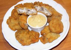 Rántott velő My Recipes, Muffin, Pork, Food And Drink, Cookies, Chicken, Breakfast, Desserts, Cook Books
