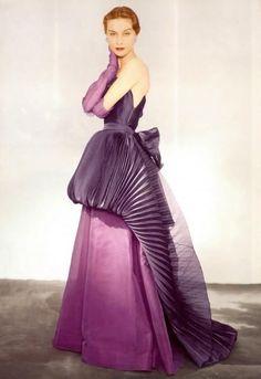 Elsa Schiaparelli Haute couture | Vogue 1950's | photo by Horst P. Horst