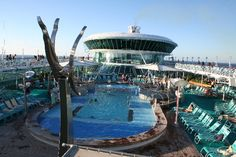 Royal Caribbean - Vision of the Seas, Pool Deck