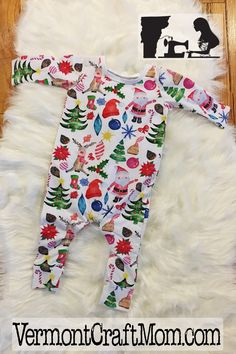 This adorable print is so perfect for babies and toddlers this christmas and holiday season. Christmas card photos, christmas eve and christmas morning! Oh my! This particular outfit has snaps, but we also make them without snaps where you put them on through the neck hole. handmade in vermont