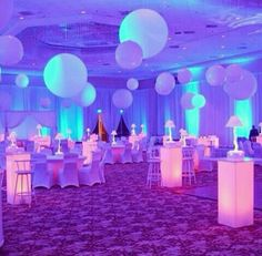 Pretty Sweet 16 Party Table Decor Ideas For Sixteenth Birthday Quince Decorations, Quinceanera Decorations, Quinceanera Party, Wedding Decorations, Sweet 16 Party Decorations, Hanging Decorations, Quinceanera Dresses, Disco Party, Glow Party