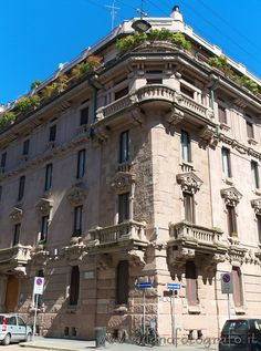 First Berri Meregalli House in Milan (Italy). Visit web site for more pictures of liberty and art decò in Milan!