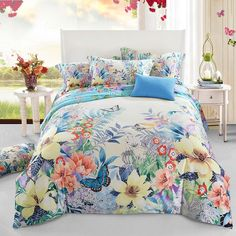 Add some fun and cheer to your bedroom with the bright colorful bedding sets. The delightful reversible bright colorful bedding sets feature vogue print on an multi-colored background, will enhance any bedroom to give you a warm, cozy feel. Country Bedding Sets, Queen Bedding Sets, Luxury Bedding Sets, Modern Bedding, Beautiful Bedding Sets, Apartment Color Schemes, Hotel Collection Bedding, Big Bedrooms, White Duvet Covers