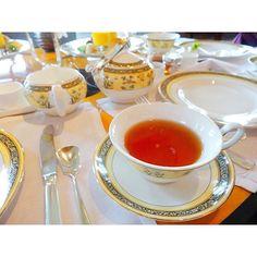 . 紅茶は好きなものを一つ選べました☕️✨ 私はStrawberry&Champagneを... 香りが良くてとも美味しかった * #happywedding #lovelyfriend #ritzcarlton #ritzcarltontokyo #afternoontea #teatime #strawberryandchampagne #instahappy #instagood #happytime #リッツカールトン #リッツカールトン東京 #アフタヌーンティー