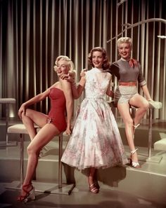 HOW TO MARRY A MILLIONAIRE (1953) - Marilyn Monroe - Lauren Bacall - Betty Grable - 20th Century-Fox