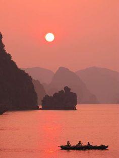 Halong bay sunset, Vietnam