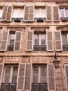puertas y ventanas / doors and windows / portas e janelas. paris.