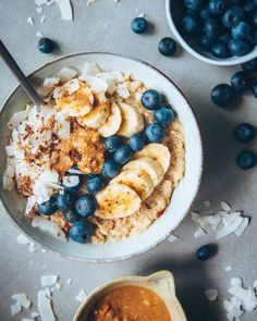 Hasselbackpoteter med urter Acai Bowl, Food And Drink, Breakfast, Blogging, Acai Berry Bowl, Morning Coffee