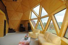 Casas geodésicas construidas con poco dinero- sala