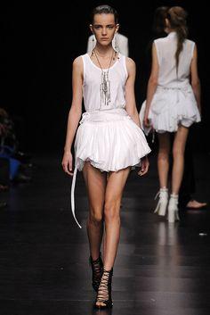 Ann Demeulemeester Spring 2009 Ready-to-Wear Fashion Show - Imogen Morris Clarke