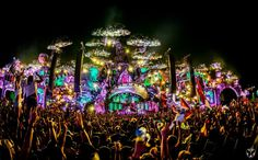 Tomorrowland, Belgium is the best EDM festival in the world. Here's our guide outlining tickets, transport, accomodation & everything you need to know. Tomorrowland Festival, Dj Shadow, Tomorrow Land, Electro Swing, Damian Marley, Festival Guide, Edm Festival, Festival 2016, Festivals