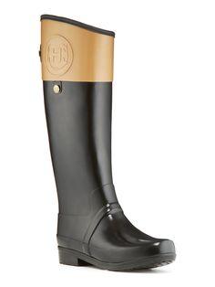 Hunter rain boots. Putting them on the wish list!