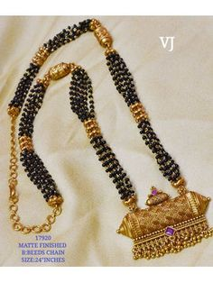 Present wide variety of blonde jewellery collections, old-fashioned Good Bijou for mothers. Gold Mangalsutra Designs, Gold Earrings Designs, Gold Jewellery Design, Gold Designs, Handmade Jewellery, Gold Jewelry, Beaded Jewelry, Long Pearl Necklaces, Bead Jewelry