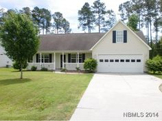 Immaculate, like new, 3/2 Ranch with a FROG and 2 car garage. Split bedroom plan. Cute as can be! FROG could be 4th bedroom/Den/Play Room. Whirlpool tub in Master. Vector security system will convey, refrigerator will convey as well. Give Paula a call today to see this one @ 252-349-8900.