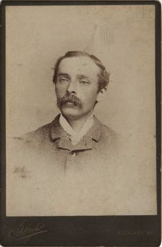 Cabinet photo Victorian Man Mustache Fashion - Singhi of Rockland Maine 1890s