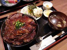 上尾市畔吉「高半」の牛ステーキ丼