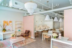 This must be the most stylish nail salon on the market right now. The PaintBar Nail Bar is located in Raleigh so if you're ever in the neighborhood, you know where to get your nails done. A Beautiful work by MA Allen Interiors for their subtly elegant work on PaintBar Nail Bar's first salon, also in Raleigh. Photography by Nick …