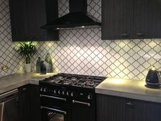 Best White Arabesque Tile With Black Grout Bathroom Update 400 x 300