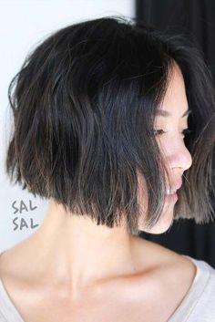 Asymmetrical Bob Haircuts, Short Bob Haircuts, Bobs For Thin Hair, Short Hair With Layers, Bob Hairstyles For Fine Hair, Girl Hairstyles, Hot Hair Styles, Curly Hair Styles, Blonder Bob