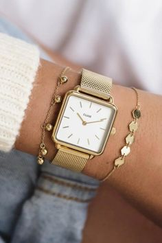 Shop our full range of CLUSE gold watches. Gold Watches Women, Watches For Men, White Watches, Vintage Watches Women, Style Androgyne, Bracelet Cuir, Beautiful Watches, Gold Gold, White Gold