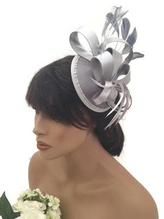 Elegant Silver Grey Satin Bow Hair Clip Grip Fascinator Hatinator Races Feathers