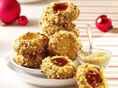 Husarenkrapfen mit Haselnüssen ist ein Rezept mit frischen Zutaten aus der Kategorie Plätzchen. Probieren Sie dieses und weitere Rezepte von EAT SMARTER!