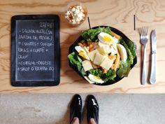 Menu du jour 22/06 - Salade verte (du jardin de Pascal) + carottes + concombres + compté + oeuf bio - Cottage-cheese + sirop d'érable bio