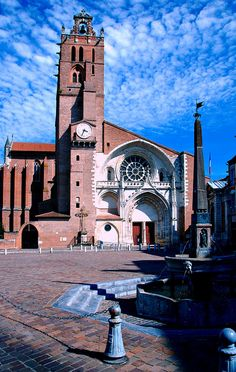 the odd cathedral Toulouse