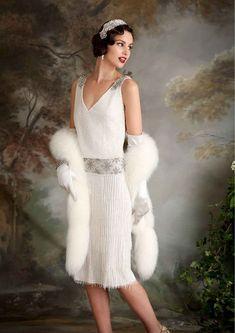 (Foto 10 de 23) Sally: Modelo al más puro estilo de las flappers de los años 20 con detalles de flecos, Galeria de fotos de Vestidos de noche estilo Art Decó