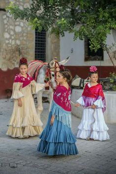 Bridesmaid Dresses, Wedding Dresses, Gypsy, Children, Folklore, Clothes, Spain, Winter, Style