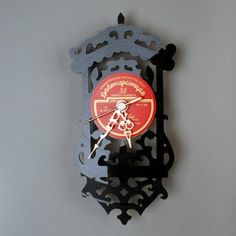 Old Cuckoo Upcycled Vintage Vinyl Clock Vinyl Record Clock, Old Vinyl Records, Vintage Records, Modern Cuckoo Clocks, Old Clocks, Wall Clock Grandfather, Gramophone Record, Hanging Clock, Clock Wall