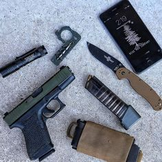 Hump day coming to a close. Hitting the range tomorrow with some cool dudes.  #WiseMen #lunarconcepts #edc #edcgear #wisecrack #rat1 #everydaycarry #gunlife Save those thumbs & bucks w/ free shipping on this magloader I purchased mine http://www.amazon.com/shops/raeind   No more leaving the last round out because it is too hard to get in. And you will load them faster and easier, to maximize your shooting enjoyment.
