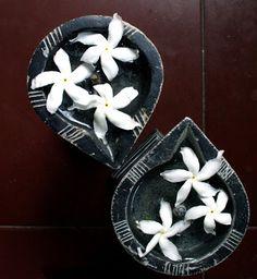 Rang-Decor {Interior Ideas predominantly Indian}: Diwali Ki Shubhkamnayen: Diwali Decorations, Festival Decorations, Flower Decorations, Gypsy Home Decor, Indian Home Decor, Indian Interior Design, Interior Ideas, Indian Interiors, Diwali Celebration