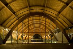 Bodegas Protos Valladolid / Alonso, Balaguer y Arquitectos Asociados + Richard Rogers Partnership Timber Architecture, Architecture Details, Hall Construction, Japanese Restaurant Interior, Richard Rogers, Roof Truss Design, Timber Structure, Roof Trusses, Shed Design