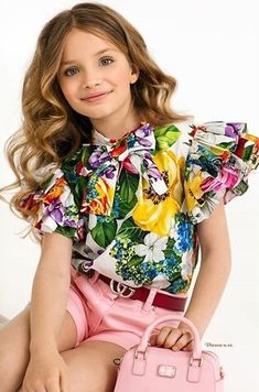 DOLCE & GABBANA SS 2020 Dolce And Gabbana Kids, Little People, Fashion Kids, Baby Dress, Floral Tops, Girl Outfits, Girls Dresses, Pretty, Clothing