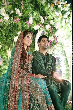 Pakistani bride n groom Bridal Mehndi Dresses, Bridal Outfits, Bridal Lehenga, Pakistani Formal Dresses, Pakistani Wedding Dresses, Pakistani Gowns, Pakistani Clothing, Pakistan Wedding, Muslim Women Fashion
