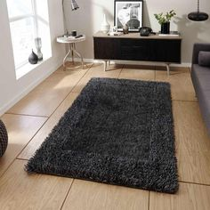 Think Rugs Sable 2 Charcoal Shaggy Border Rug Border Rugs, Thick Yarn, Black Rug, Traditional Rugs, Charcoal Color, Rug Making, Floor Rugs, Shaggy Rugs, Modern
