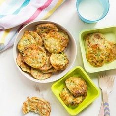 Healthy Meals For Kids Zucchini bites (courgette bites) are a high protein snack great for kids. Veggie Recipes, Baby Food Recipes, Vegetarian Recipes, Cooking Recipes, Healthy Recipes, Food Baby, Healthy Meals, Baby Foods, Yummy Recipes